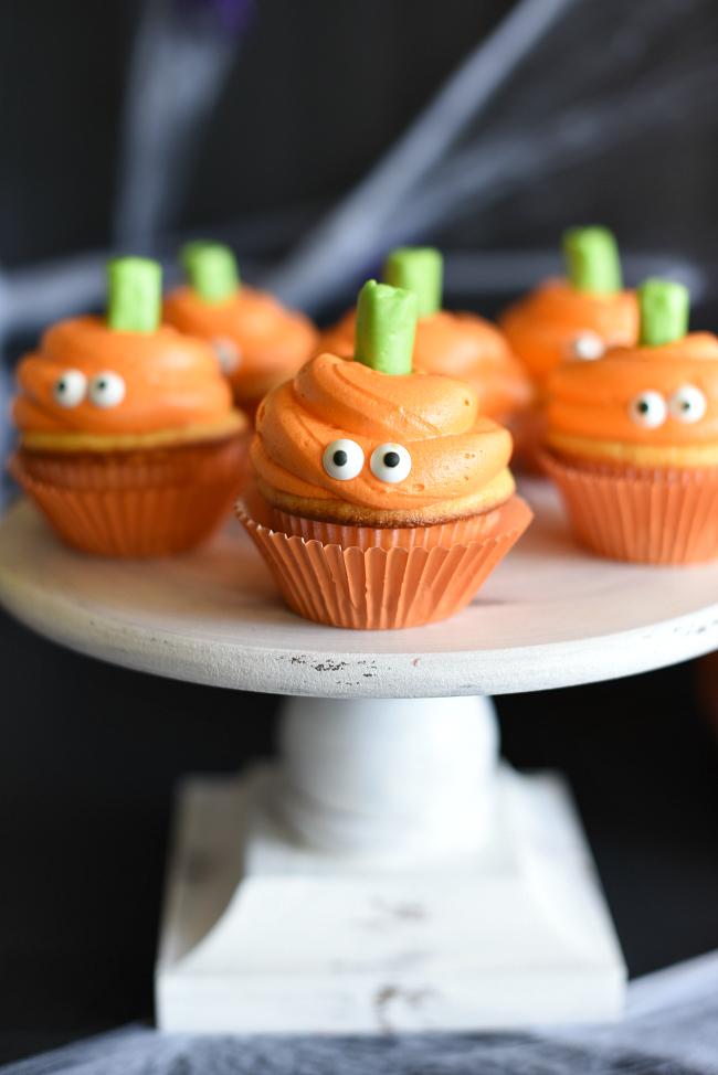 Cute Halloween Pumpkin Face Cupcakes