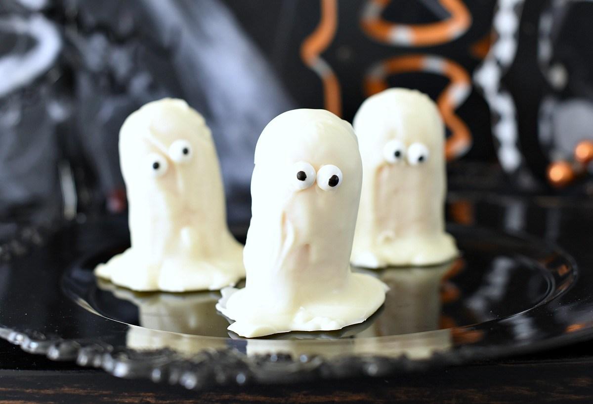 Ghost Twinkies Easy Halloween Treats