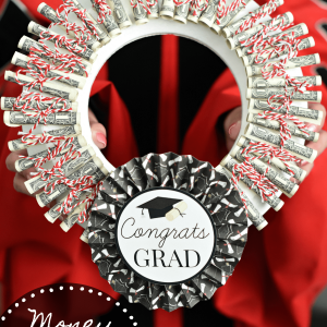 Money Graduation Gift Ideas: Money Wreath