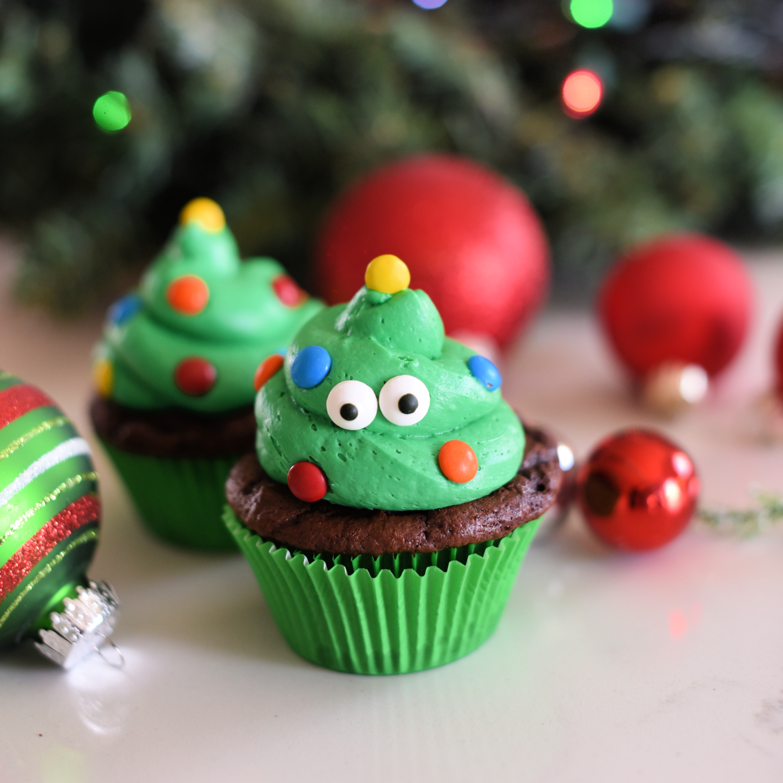 Cute Christmas Tree Cupcakes
