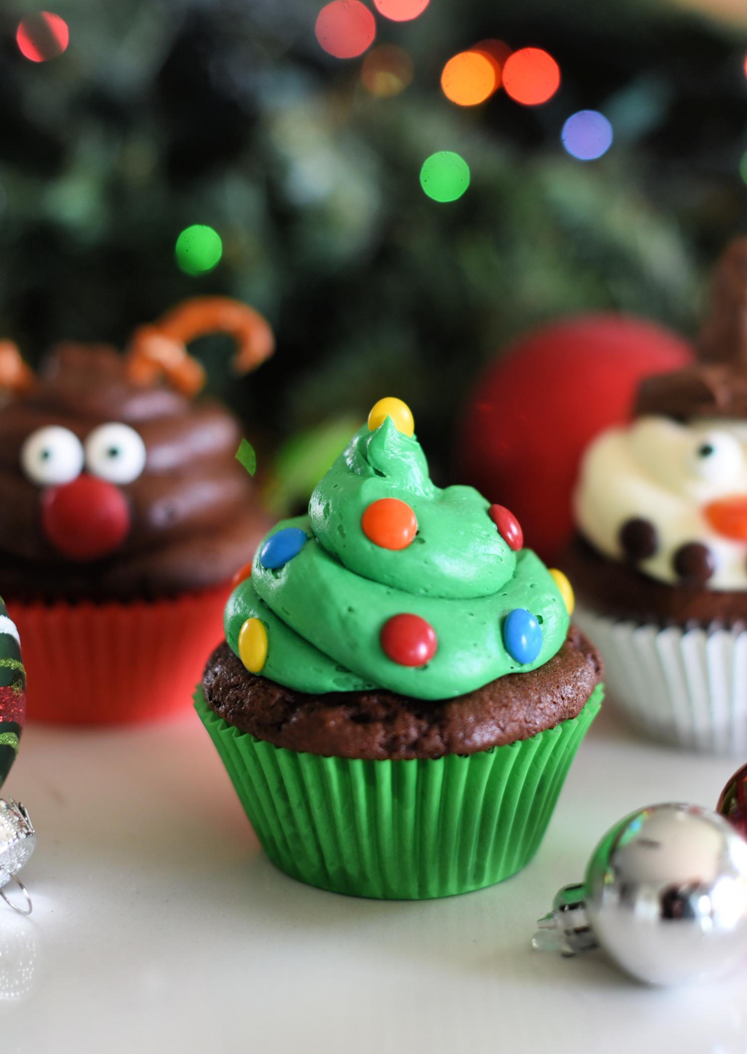 Easy Christmas Tree Cupcakes