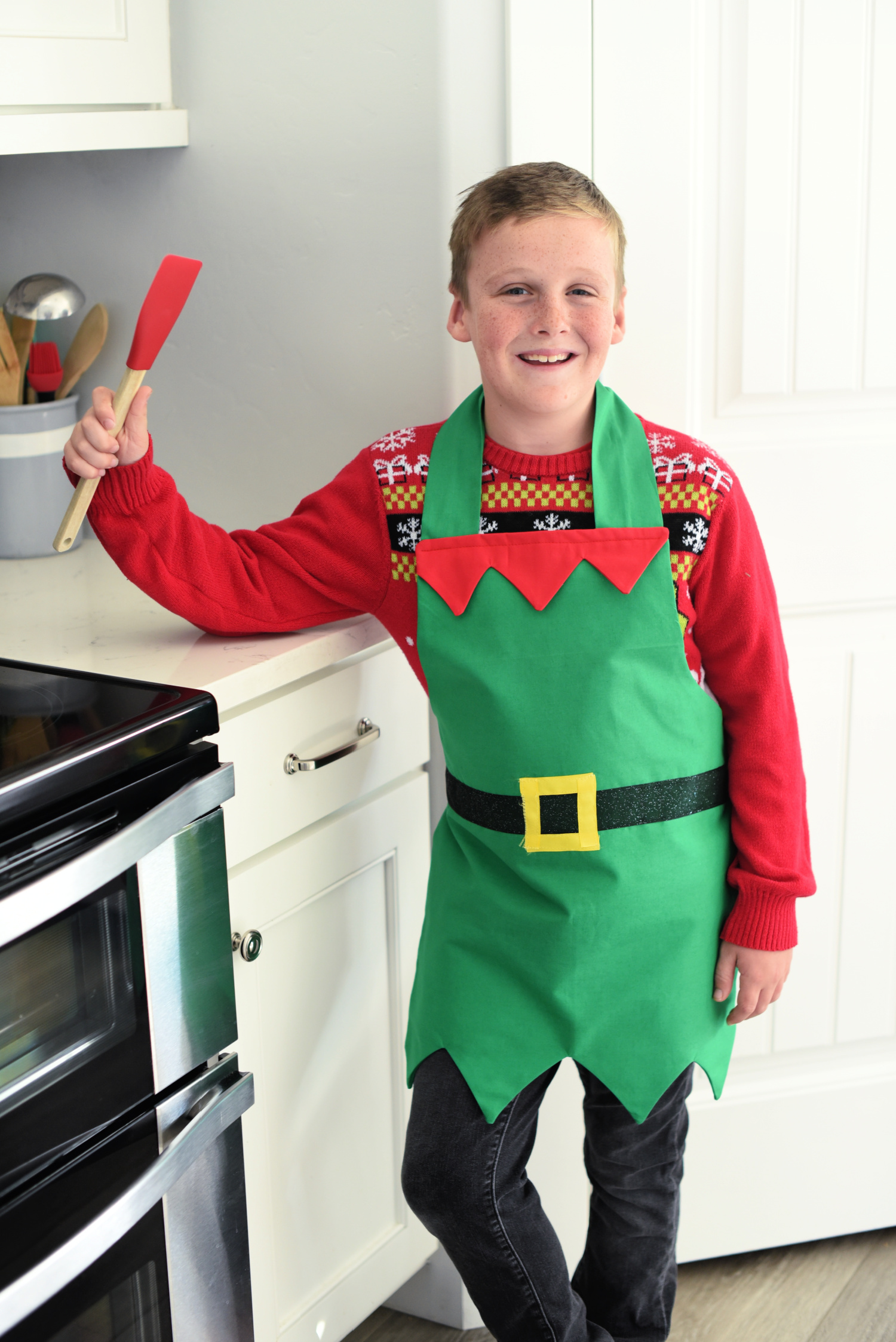 Cute Elf Apron Pattern for Adults and Kids